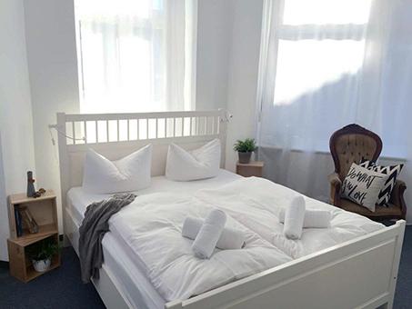 pension berlin bei gelbe seiten adressen im branchenbuch. Black Bedroom Furniture Sets. Home Design Ideas