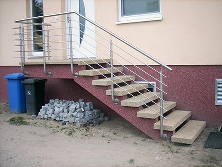 waschbeton treppenstufen winkelstufe waschbeton sichtbeton auktion focht beton waschbeton. Black Bedroom Furniture Sets. Home Design Ideas